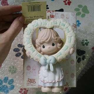 Precious moments Girl Figurine : Give Your Whole Heart