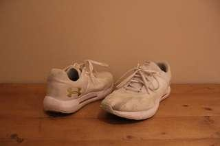 (UK10) UNDER ARMOUR Casual Shoes
