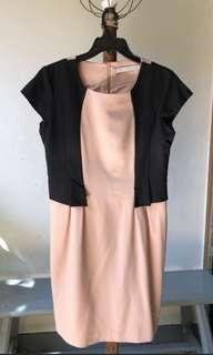 Dress Minimal Cream Uk. XL