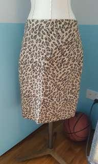 🚚 Leopard print skirt