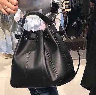 Zara Topstiching Bucket