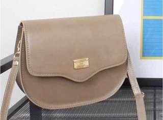 🚚 <Instock> Classic Sling Bag