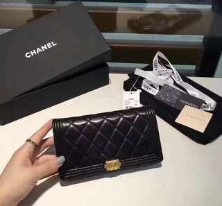 Chanel vip gift wallet💖
