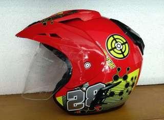 Helm Corak R9