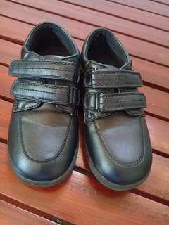 UK Brand kid's shoes size 9
