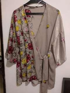 ZARA FLORAL PRINT WRAP BLOUSE, very good condition, rarely worn size S but also fit to M