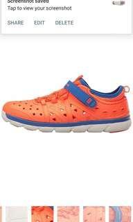 🚚 Brand new in box Stride Rite Made 2 Play Phibian Sneaker Sandal Water Shoe