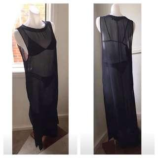 Size 10: Sleeveless Black kaftan