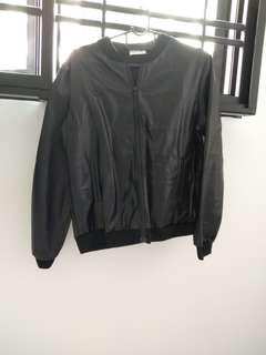 🚚 BN leather jacket with zip