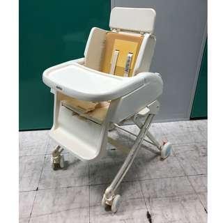 aprica high chair 90%新 (跟原裝粉藍色墊)(白底圖片相是供參考粉藍色墊)