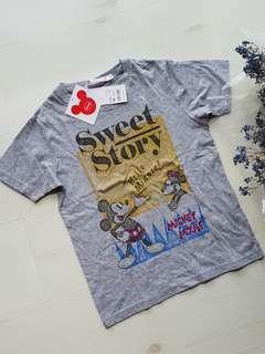 Boys Uniqlo mickey mouse t shirt