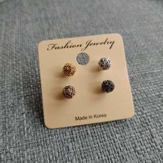 🚚 韓製金屬四色鐵絲圓球耳環