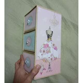 Cute blue and pink 3-level box