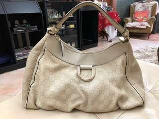 Prelov Gucci calf leather hobo Handbag. Good condition inside and out. Light n spacious, can put a lot of things. Retail @$2500 plus.