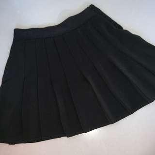 black tennis / skater skirt