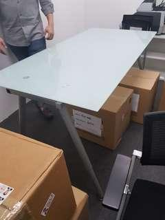 🚚 Office table for sales