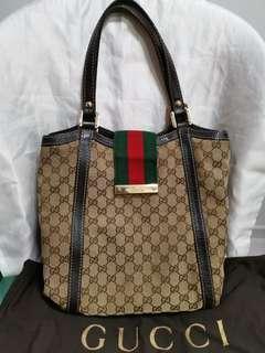 💯 % Authentic Gucci Handbag