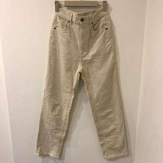 GU米白燈芯絨直筒褲