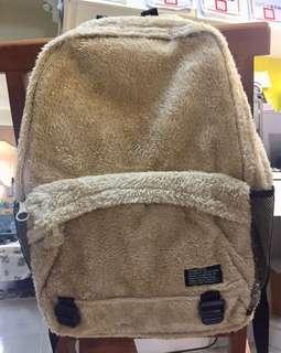 🚚 溫暖絨毛背包