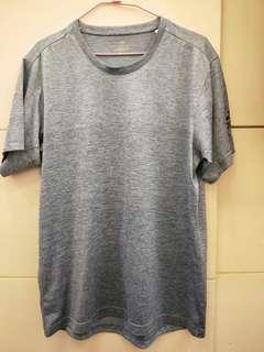 🚚 adidas男生水藍排汗衫XL