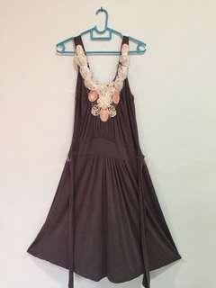 Grey sleeveless midi dress 👗 #TRU50