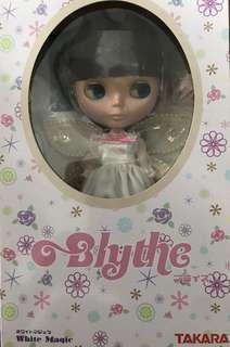 🚚 White magic Blythe