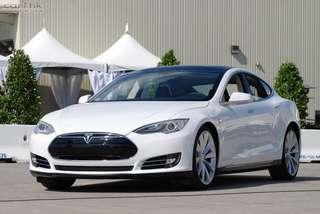 Tesla Model S 85D 2016 (White)