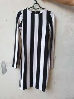 H&M Dress Black and White Free shipping