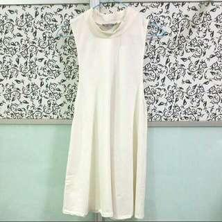 🚚 Young Hungry Free High Collar Neck Shift Dress In White (Size M) YHF