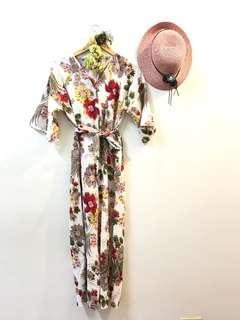 Floral jumpsuit size: plus