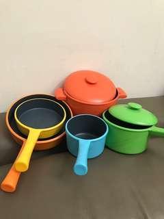 🚚 兒童彩色煮菜鍋一組 反斗城買的 不是小的