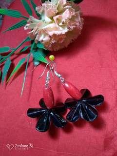 Flower Earrings (Black)