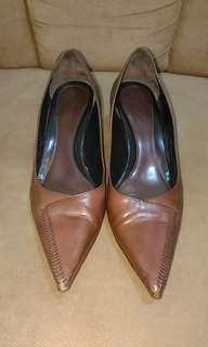 Authentic Cole Haan Heel Shoes Size 8