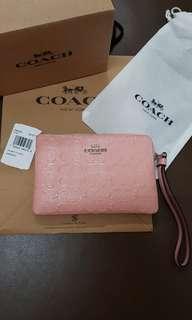 【My Boutique- 珍品屋】真品全新COACH防刮漆牛皮單層手拿包/零錢包/卡片包~超可愛粉色~實用熱門款~短夾卡夾可參考