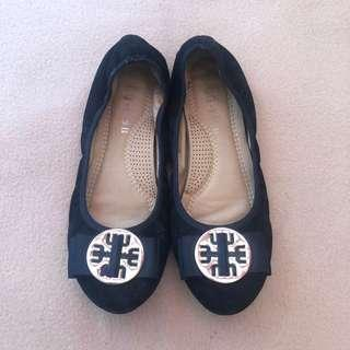 Black Shoes (Tory Burch Inspired)