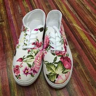 Sneakers Kasut 7uk