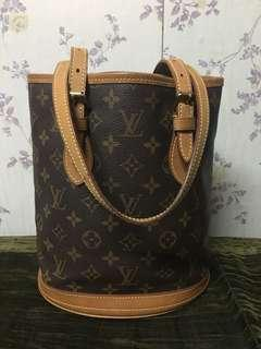 Louis Vuitton Bucket Pm mono