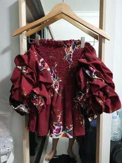 🚚 Floral Offshoulder Top with Ruched Sleeves in Maroon