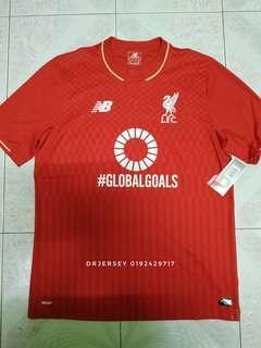 Liverpool jersey M