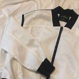 🚚 黑白線條復古網狀運動風短版外套