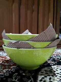 Giving away! Big Soup/Salad Serving Bowls