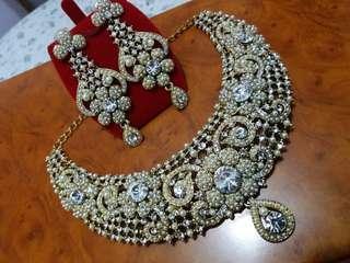 Jewelry set - Necklace & Earrings