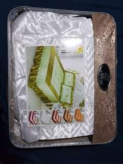 Brand New Quern Size Bedsheet Set