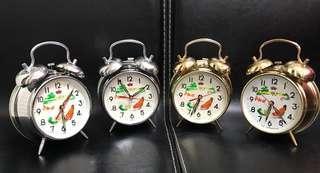 全新庫存 懷舊上鍊機械鬧鐘   八/九十年代上海鑽石牌- 公雞啄米 ~雞頭會隨着秒針擺動 啄米 ~罕有外打鈴,鬧鈴更響