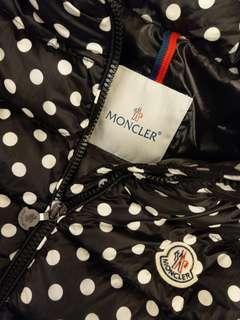 真品Moncler絕版款黑白點點連帽羽絨背心