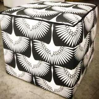 🚚 Foot stool luxury