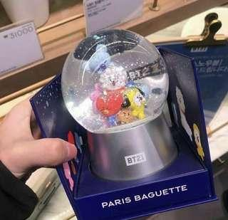 BT21 X PARIS BAGUETTE SNOW GLOBE