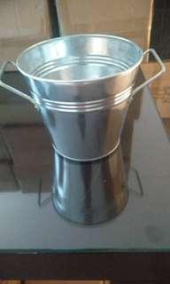 Zinc bucket / ember alumunium