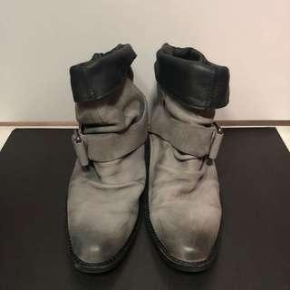 IInitial 洗水短boot