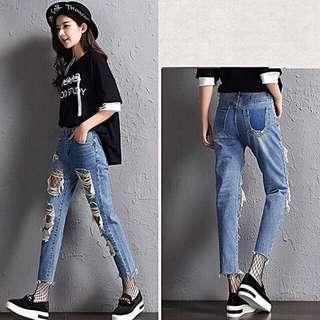 Ripped jeans sobek-sobek